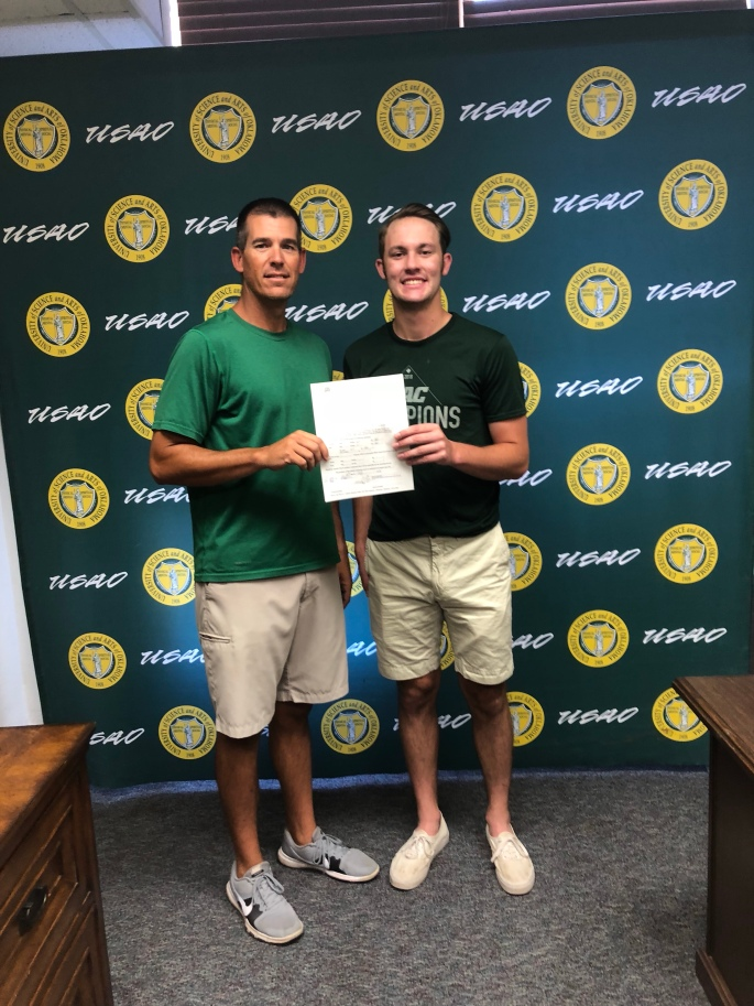 Brock signs with the Drovers
